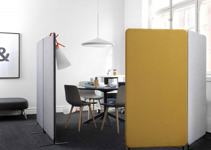 Softline 30 Freestanding Fabric Screen