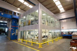 Single Glazed Glass Office Partition Supporting Own Ceiling