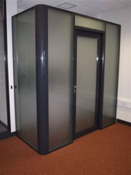 Single Glazed Glass Office Partition With Breakfast Bar
