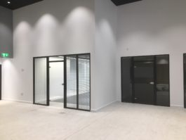 Double Glazed Glass Office Partition With Blinds